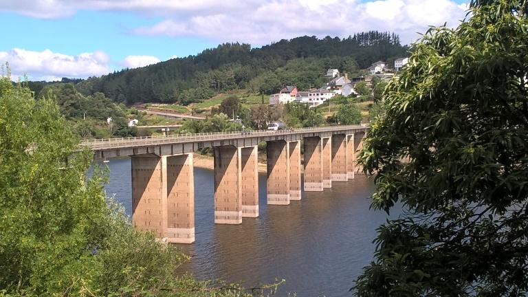 Bridge into Portomarín